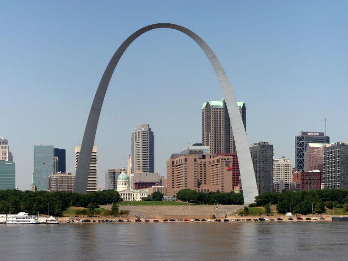 La fondation de Saint-Louis, une affaire de traiteurs
